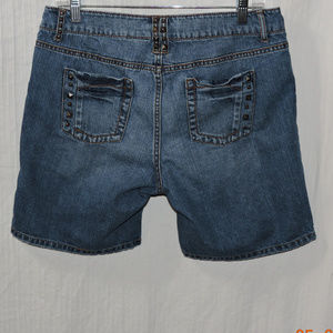 DISTRESSED APT 9 SHORTS SIZE 10